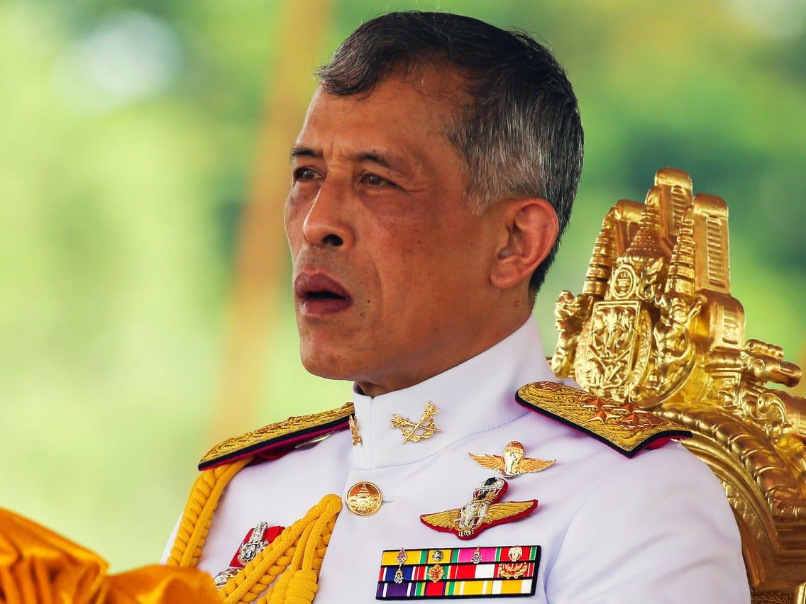 Vị vua nhận một lúc 40 tỷ USD và những tranh cãi về khối tài sản khổng lồ - 1