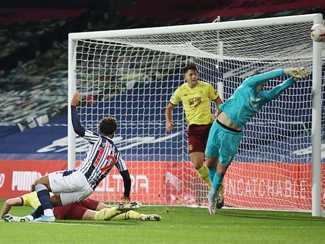 """Video highlight trận West Brom – Burnley: Xà ngang cứu thua, điểm nhấn """"người nhện"""" - 1"""