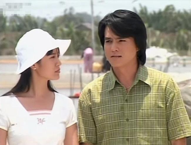"""Khiêm - nam chính của """"Vòng Xoáy Tình Yêu"""" do Cao Minh Đạt thủ vai từng là """"người tình trong mộng"""" của các cô gái trẻ thời bấy giờ."""
