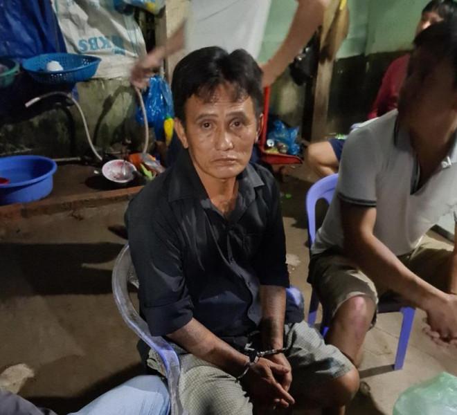 Cảnh sát Cần Thơ bủa vây căn nhà, bắt nhóm ma túy liên quan đến con số 9 - 1