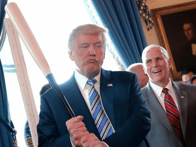 """Cuộc chạm trán cuối cùng với ông Biden: Ông Trump đang """"bài binh bố trận"""" ra sao?"""