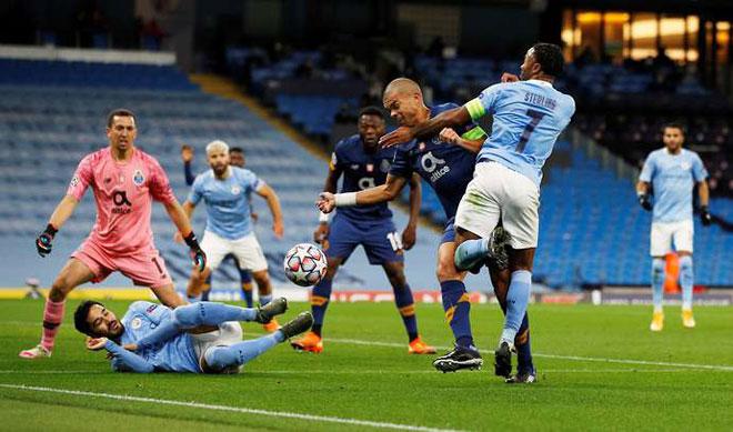 """Man City bị tố trọng tài thiên vị, """"đồ tể"""" Pepe chơi xấu vẫn thoát thẻ đỏ - 1"""
