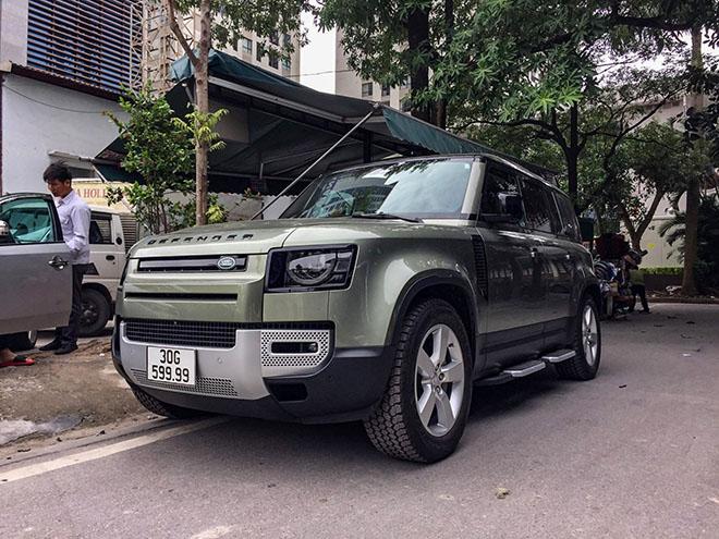 Land Rover Defender thế hệ mới đeo biển số khủng tứ quý 9 tại Hà Nội - 1