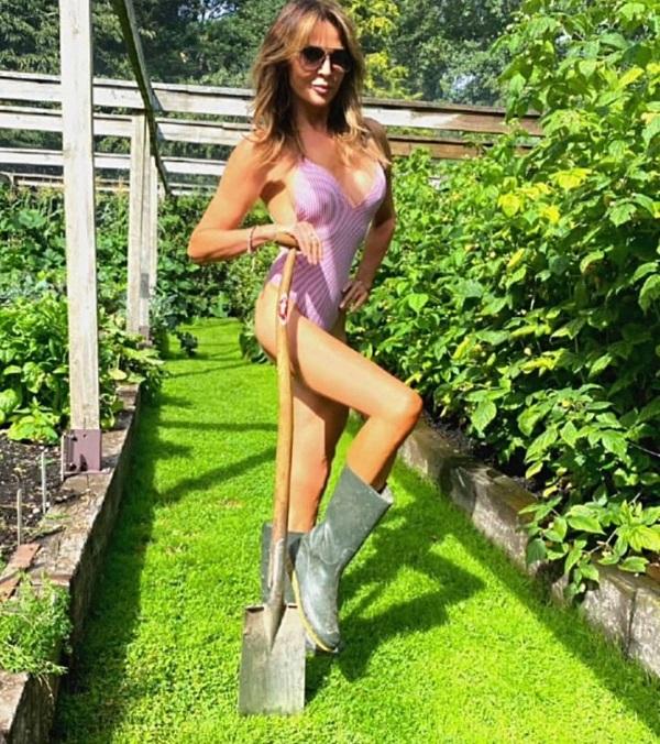 """MC U50 nước Anh gây sốc với thời trang bikini làm từ khẩu trang """"bảo vệ môi trường"""" - 6"""