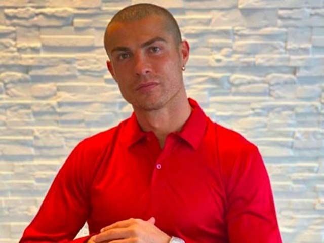 NÓNG: Ronaldo lại dương tính với Covid-19, định đoạt màn tái ngộ Messi - 1