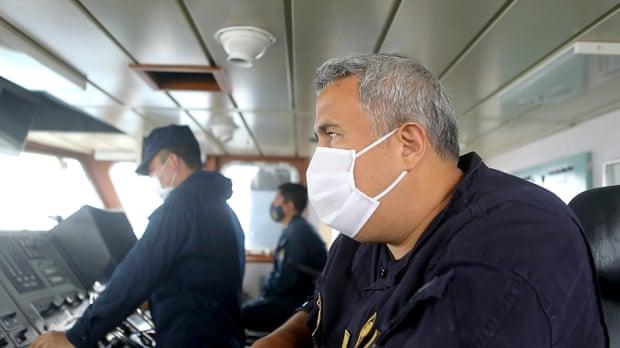 Đội tàu cá Trung Quốc đánh bắt theo cách chưa từng thấy ở ngoài khơi Peru - 1
