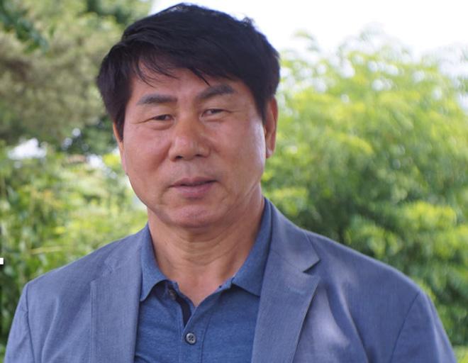 Ông Park Hang Seo mời HLV dự World Cup làm thầy Đặng Văn Lâm - 2