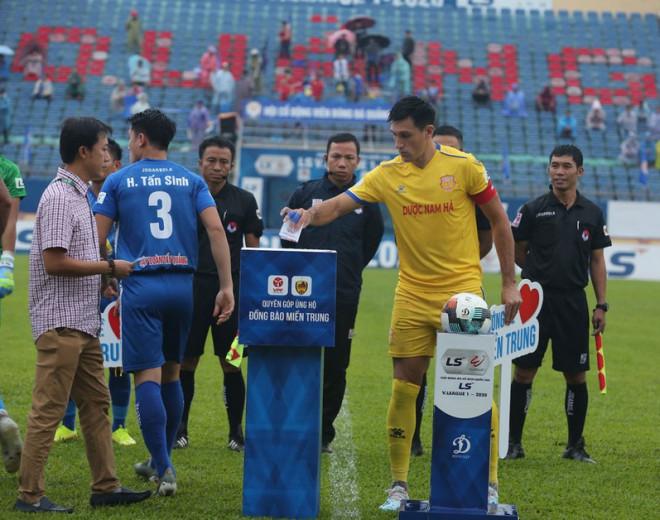 CLB Nam Định phá luật, Ban trọng tài VFF lại mệt mỏi - 3