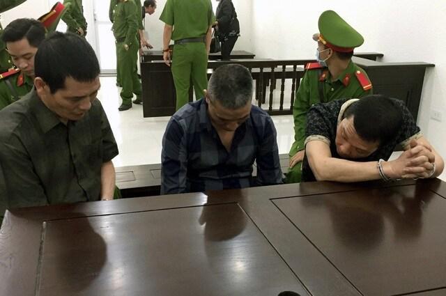 """Bỏ trốn khi đang bị áp tải đến tòa, Trung """"điếu"""" nhận thêm 42 tháng tù giam - 1"""
