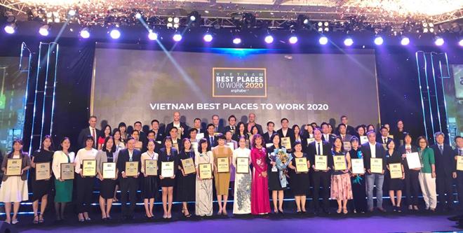 """LIXIL Việt Nam được vinh danh là một trong những """"Nơi làm việc tốt nhất Việt Nam 2020"""" - 1"""