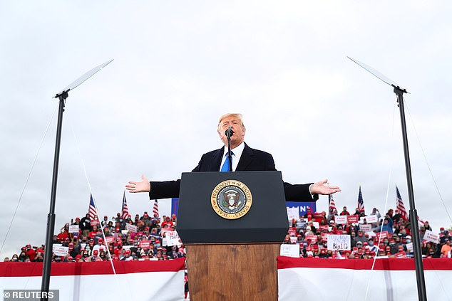"""Bầu cử Mỹ: Ông Trump nói về nhân tố """"giấu mặt"""" sẽ giúp giành chiến thắng - 1"""