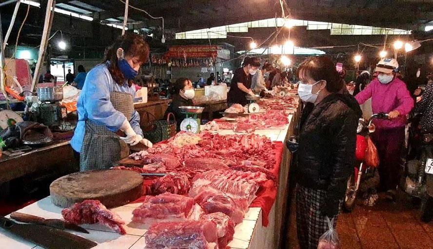 Giá thịt lợn hơi tăng nhẹ so với tuần trước - 1