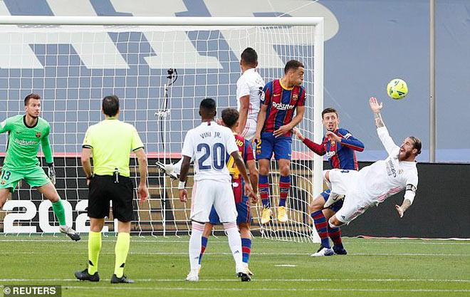 Real thắng Siêu kinh điển: HLV Barca chửi trọng tài, Ramos chọc tức Koeman - 1