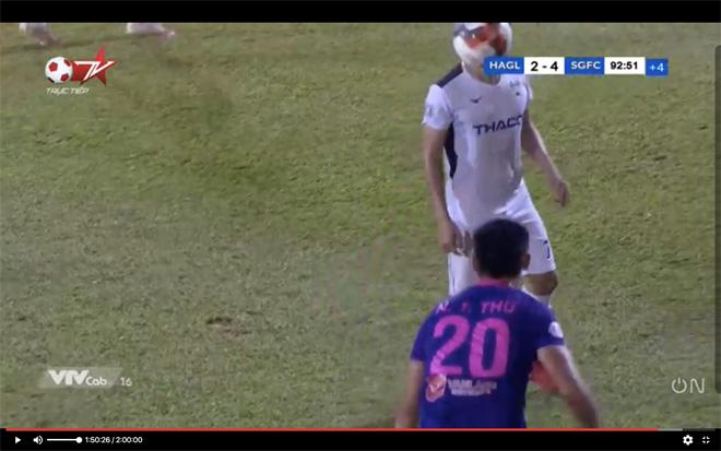 """Cầu thủ Sài Gòn FC ném bóng """"không có đạo đức"""" bị đề nghị kỷ luật nặng - 1"""