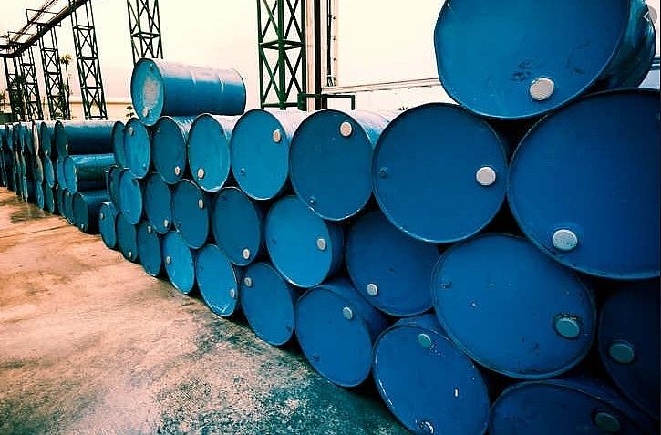 Giá dầu hôm nay 26/10: Giảm mạnh chưa có dấu hiệu dừng - 1