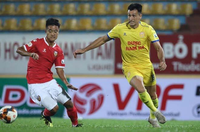 """Khốc liệt đua trụ hạng V-League 2020: """"Tử thần"""" gọi tên Nam Định hay Quảng Nam? - 1"""