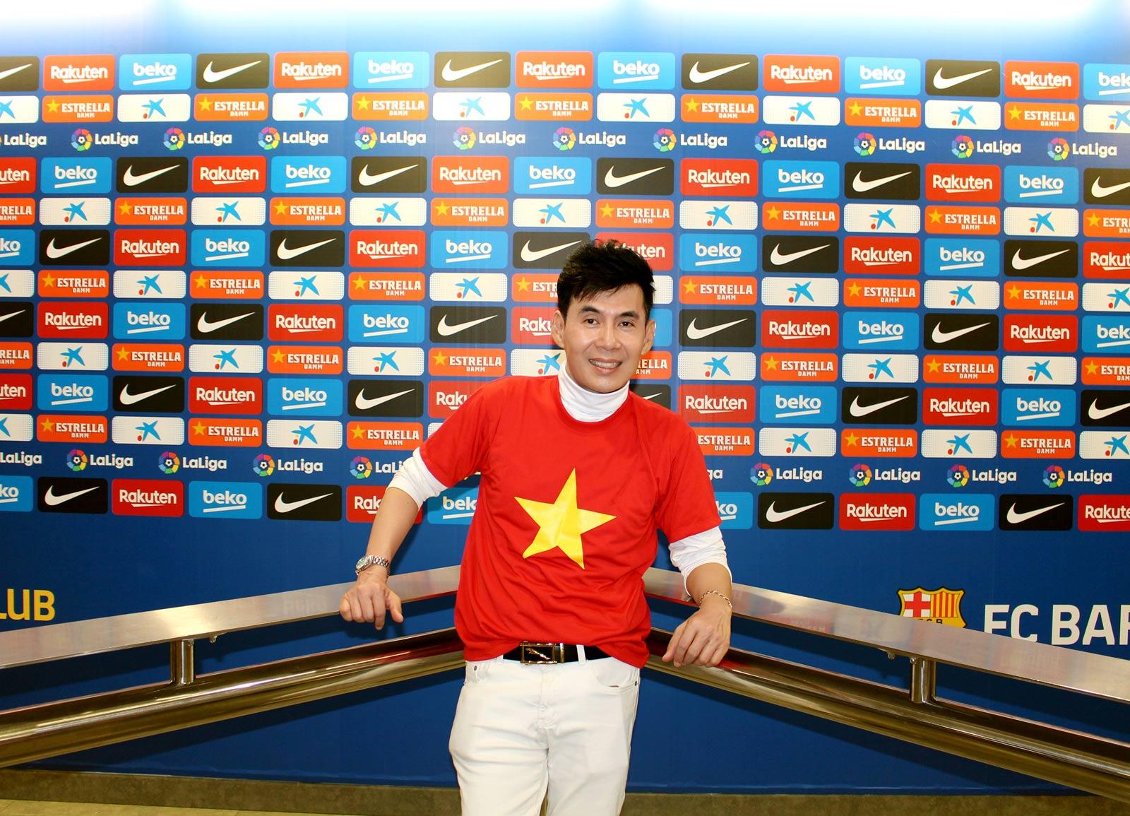 Sao Việt chi 3 tỷ đi du lịch nói gì khi đến sân bóng đá lớn nhất châu Âu? - 5