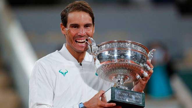 Hé lộ bí quyết Nadal san bằng kỷ lục của Federer: Chuyện cú giao bóng - 1