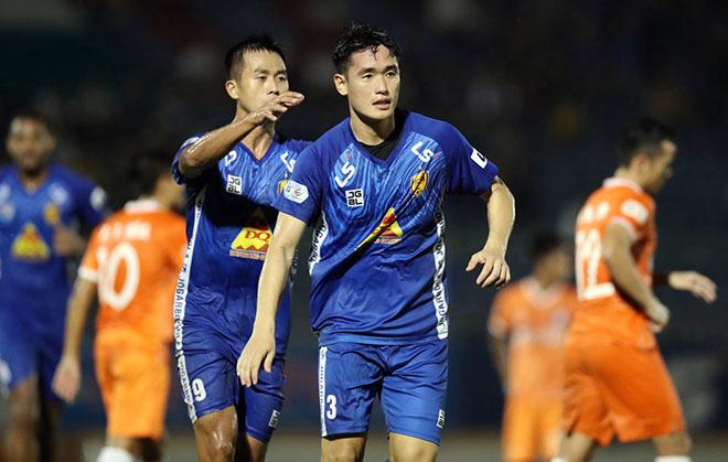 """Bi hài V-League: """"Ông trời"""" định đoạt Quảng Nam hay Nam Định trụ hạng - 1"""