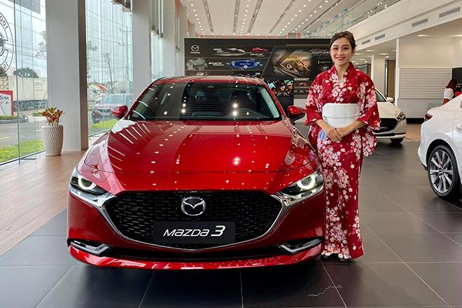 Mazda3 phiên bản đặc biệt kỷ niệm 100 năm thương hiệu giá 869 triệu đồng - 1