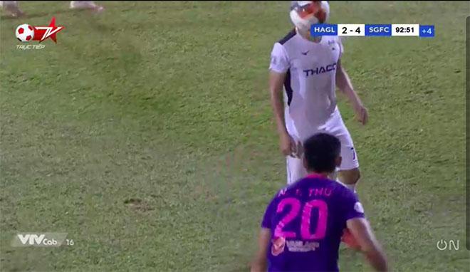 """Cầu thủ Sài Gòn FC ném biên """"không có đạo đức"""" bị VFF treo giò mấy trận? - 1"""