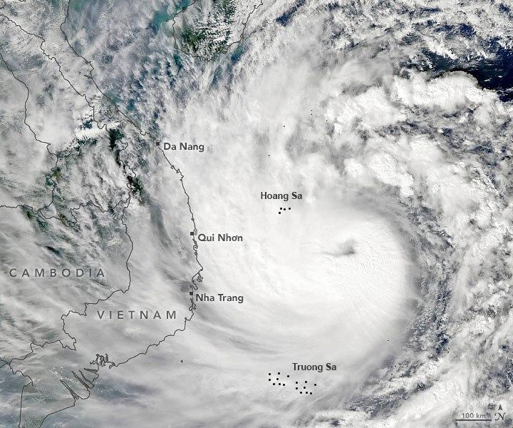 Báo nước ngoài viết về bão số 9 ở Việt Nam: Quốc gia kiên cường - 1
