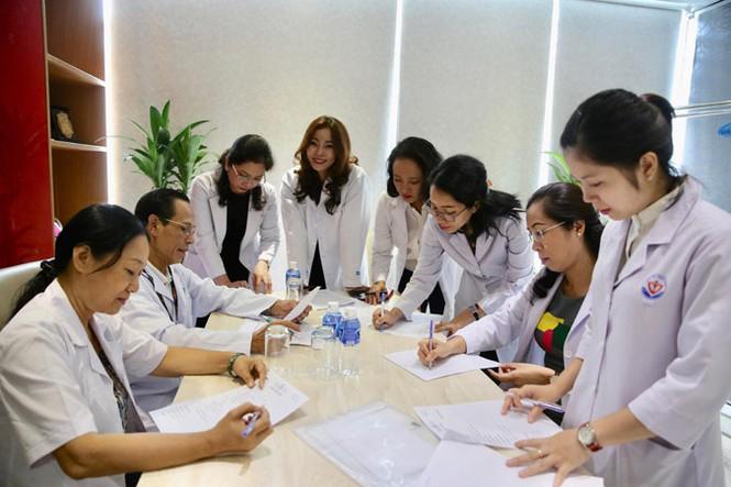 """Tiết lộ căn phòng """"khoả thân"""" của Hoa hậu Việt Nam, nơi """"đốt lửa thử vàng mười"""" - 1"""