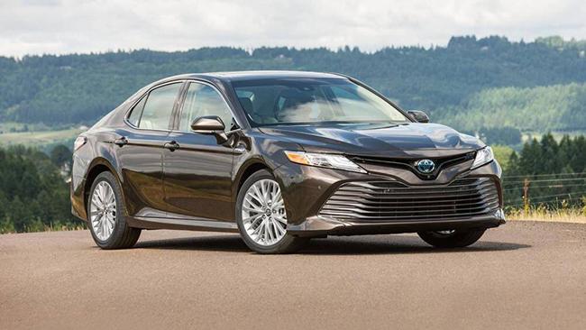 5. Toyota Camry Hybrid 2020 - 4,52L/ 100km