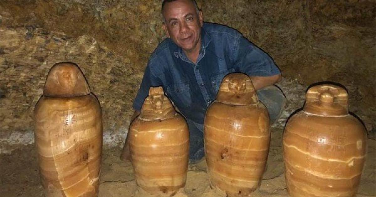 Mộ cổ 2.500 tuổi dưới giếng: cả một gia đình nằm giữa kho báu - 1