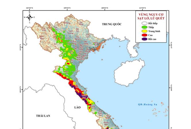 Báo động sạt lở đất nhiều tỉnh miền Trung lên mức rất cao - 1