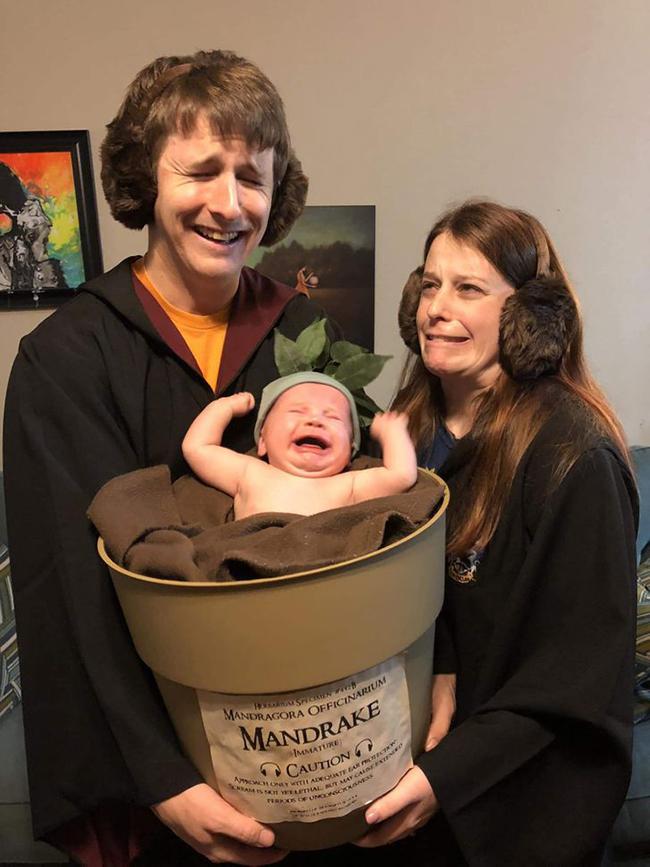 Khi gia đình bá đạo hóa trang chơi Halloween.