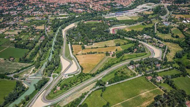 Đua xe F1, Emilia Romagna GP: Hamilton không thể cản nổi hay Raikkonen sẽ bứt phá? - 1