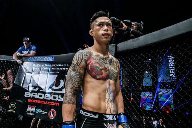 """Thành Lê tung đấm """"búa tạ"""" hạ gục Martin Nguyễn, soán ngôi MMA thế giới - 2"""