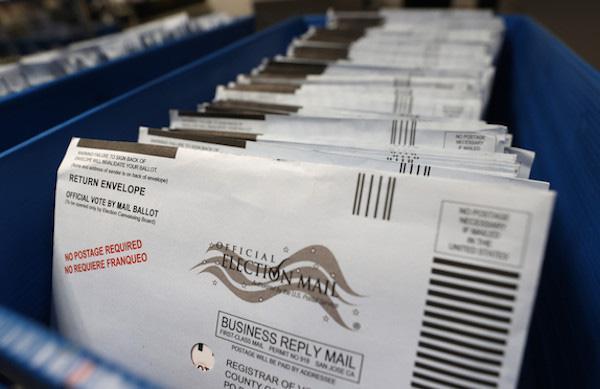 Mỹ: Hàng ngàn phiếu bầu biến mất bí ẩn ở bang chiến trường Pennsylvania - 1