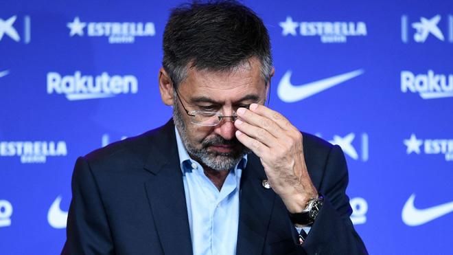 CỰC SỐC!!! Barcelona lâm cảnh khốn cùng: Nguy cơ vỡ nợ, Messi lo lắng - 1