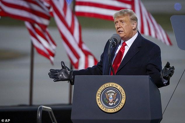 Bầu cử Mỹ: Ông Trump rút ngắn khoảng cách với ông Biden - 1