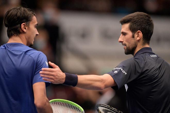Djokovic thua sốc Lorenzo Sonego: Số 1 thế giới khen đối thủ như thế nào? - 1
