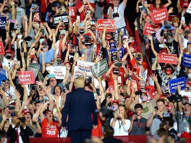 Ông Trump và lời hứa 'làm nước Mỹ vĩ đại' dang dở - 1