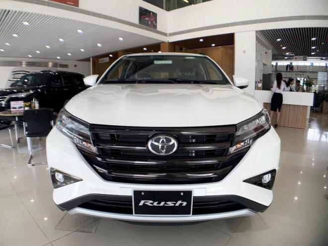 Ô tô giá hơn 450 triệu đồng/chiếc nhập khẩu vào VN tăng mạnh - 1