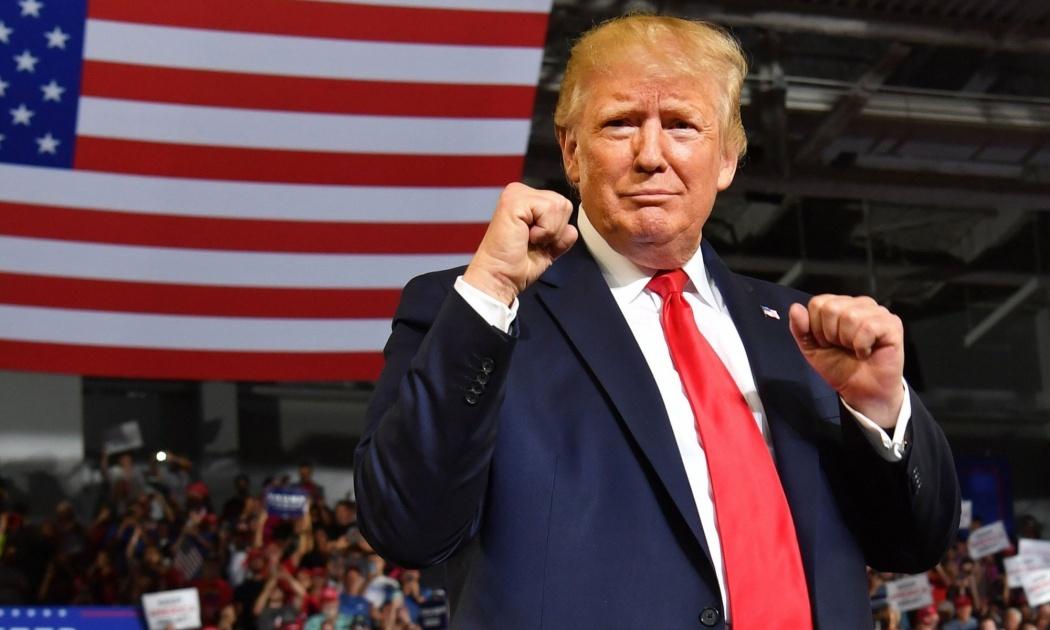 Tin vui cho ông Trump: Thăm dò uy tín cho thấy vượt xa đối thủ ở bang chiến địa quan trọng - 1