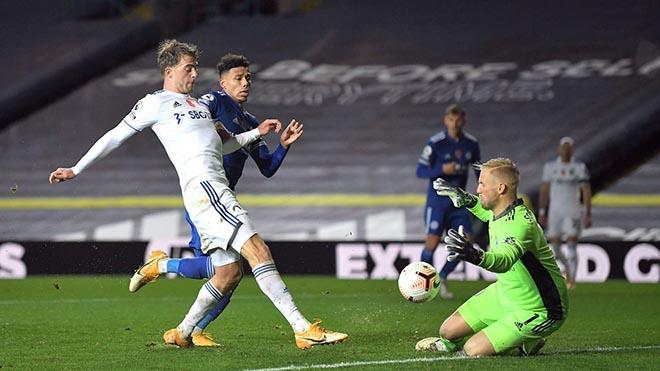 Video highlight trận Leeds - Leicester: Phủ đầu sắc lẹm, đánh chiếm ngôi nhì - 1