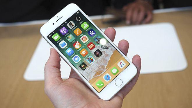 iPhone 8 đang có giá bao nhiêu, và liệu còn đáng mua? - 1