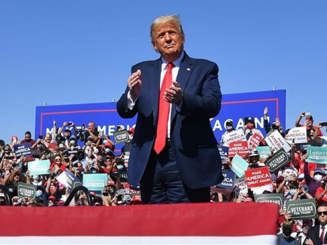 """Vì sao ông Trump khó lật ngược thế cờ ở """"thành trì"""" 20 năm của đảng Cộng hòa?"""