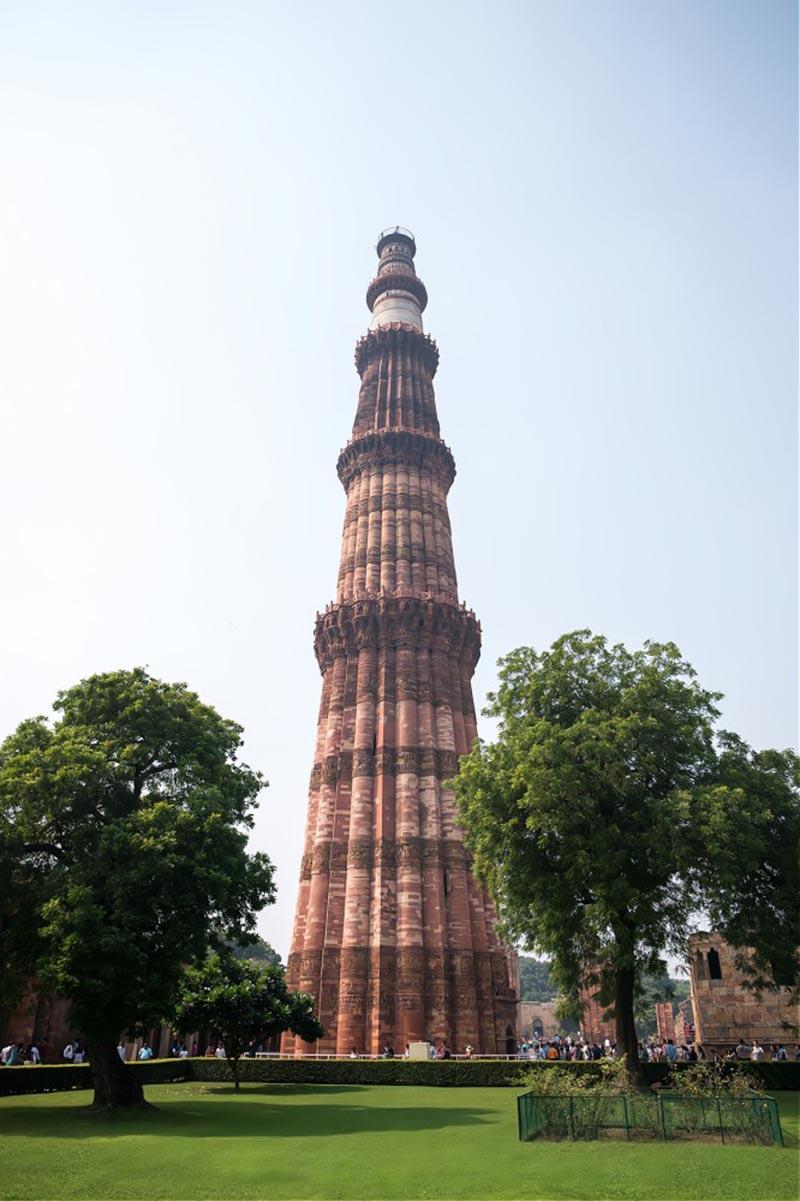 Tòa tháp bằng gạch cao nhất thế giới giống hệt ống khói, được người Ấn Độ tôn sùng như vật báu - 3