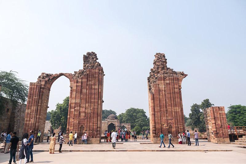 Tòa tháp bằng gạch cao nhất thế giới giống hệt ống khói, được người Ấn Độ tôn sùng như vật báu - 4