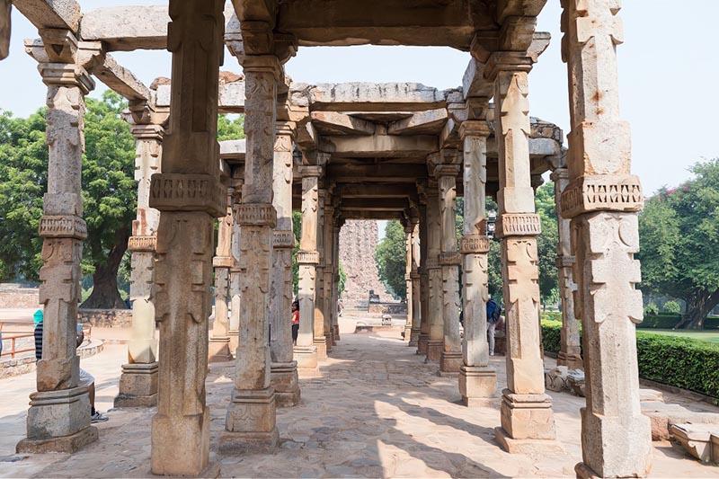Tòa tháp bằng gạch cao nhất thế giới giống hệt ống khói, được người Ấn Độ tôn sùng như vật báu - 6