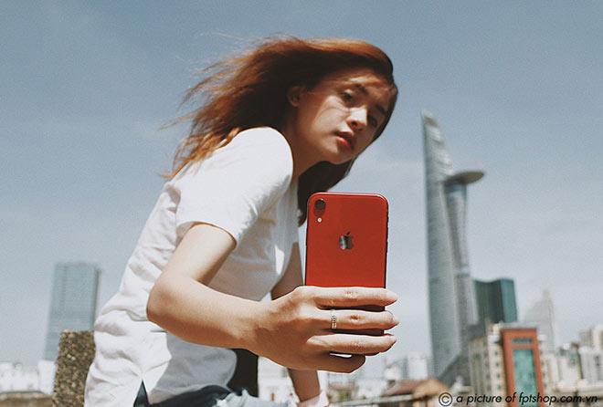 Sở hữu iPhone XR 2020 chính hãng sớm nhất tại FPT Shop - 1
