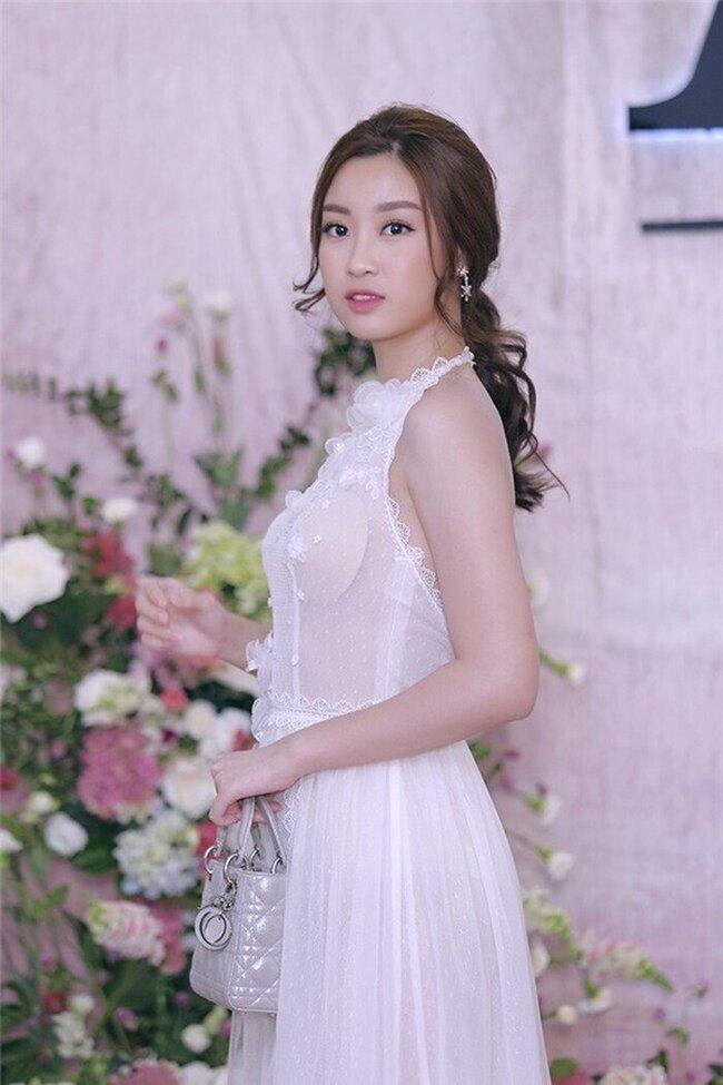 Chọn sai nội y, Hoa hậu Đỗ Mỹ Linh chắc chắn khôngmuốn nhìn lại hình ảnhnày.