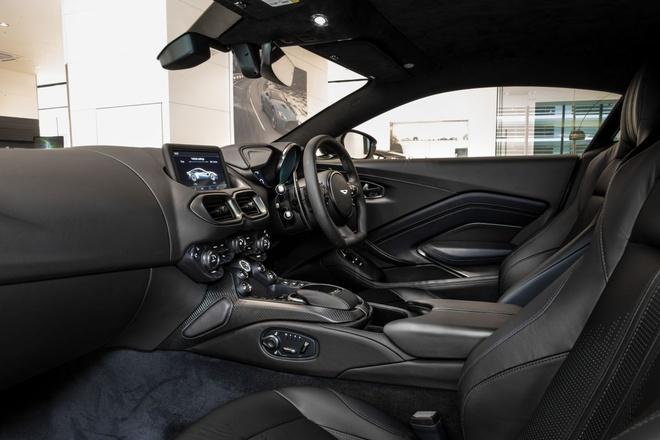 """Aston Martin Vantage có thêm phiên bản """"Hiệp sĩ Bóng Đêm"""" - 8"""