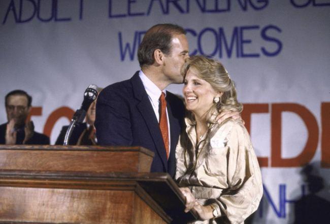 Phu nhân 70 tuổi của ông Joe Biden có gu thời trang thanh lịch - 1